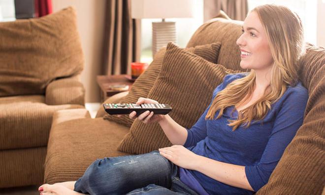 Одинокие россиянки предпочитают телевизор