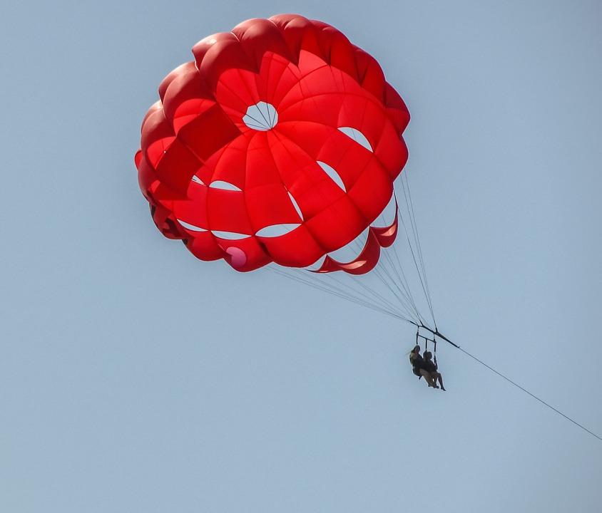 parachute-1615525_960_720
