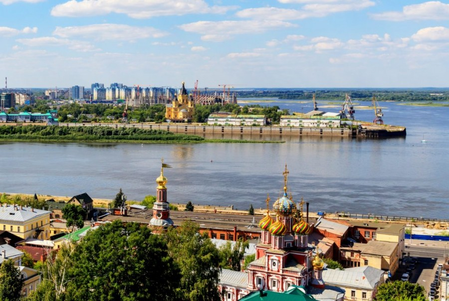NN_Spit_from_Fedorovskogo_Embankment_08-2016_img2-e1565158124305-1024x687
