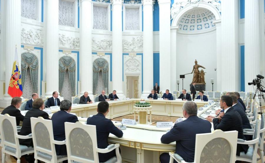 Президент и губернаторы: откровенный разговор