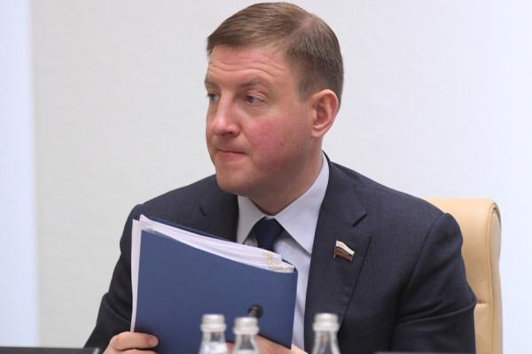 «Единая Россия» в преддверие съезда: основные проблемы партии