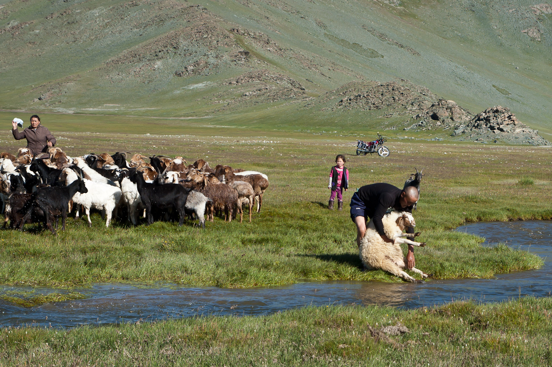Mongolia_Locals-100