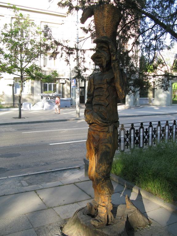 IMG_симферополь 09 мая_в сквере около жд вокзала_1_новый размер