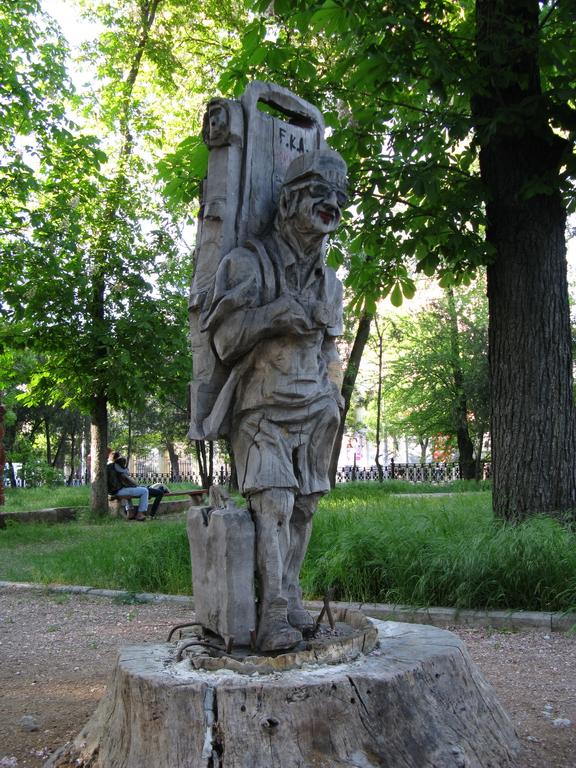 IMG_симферополь 09 мая_памятник туристу в сквере им Ленина_около жд вокзала37_новый размер