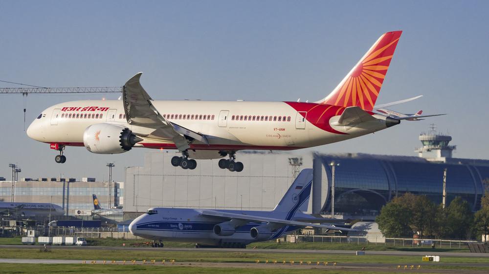 VT-ANM B788 Air India DME (4)