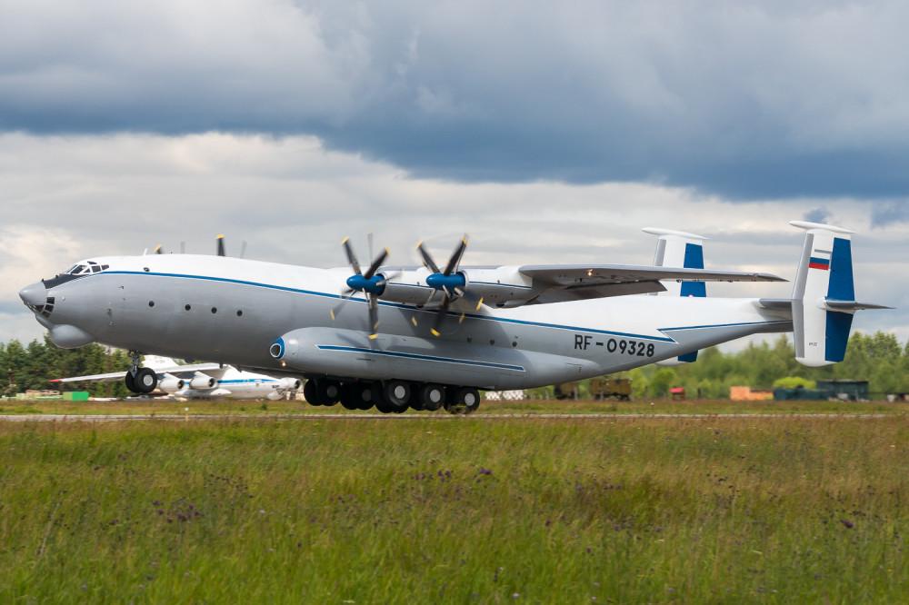 AN22, RF-09328, Russian Air Force ВВС РФ, XUEM Мигалово, Вояки, ВТА0820150713
