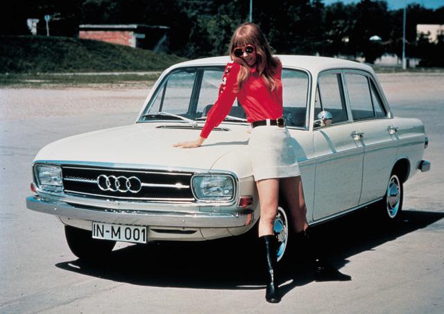 Теплые ламповые девочки из Ингольштадта Audi-60
