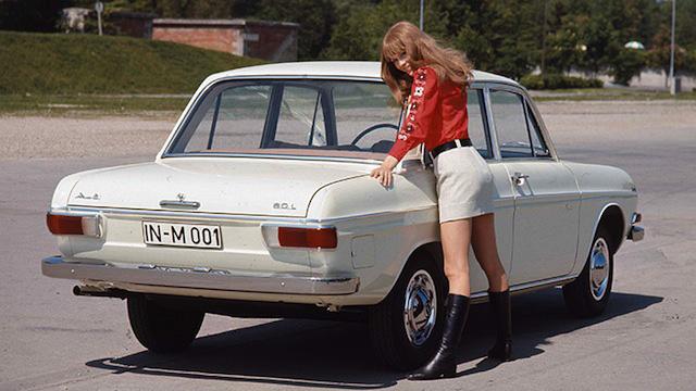 Теплые ламповые девочки из Ингольштадта Audi-60-4