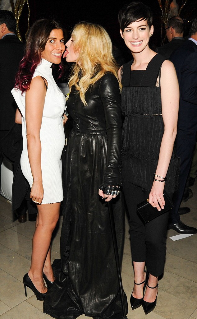 20140211-pictures-madonna-the-great-american-songbook-event-10