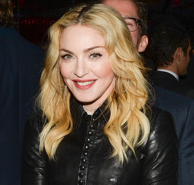 20140211-pictures-madonna-the-great-american-songbook-event-09