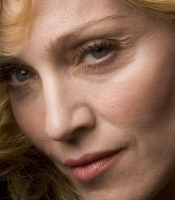 2007 - Madonna by Annie Leibovitz for Vanity Fair #4 - copie