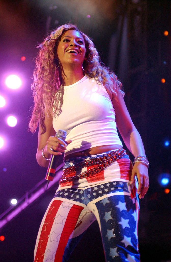 Beyonce-Knowles-rocked-American-flag-pants-during-October-2001