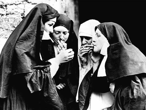 smoking-nuns