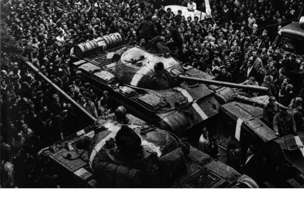 tank praha 1968