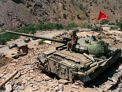 soviet-tank-afghanistan_1982