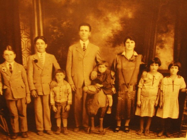 great grand uncle fedele with great grand aunt Pasqualina and their chldren