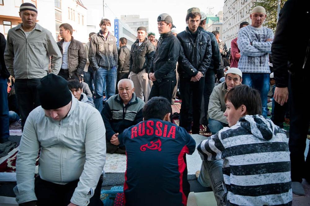 мигранты в ожидании судьбы