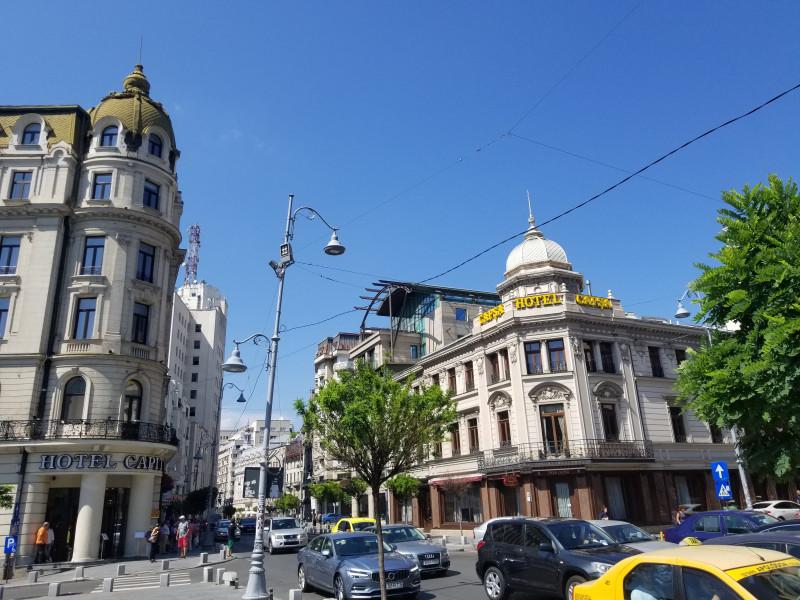 Отель Капитол (бывший Лувр) и отель Капша