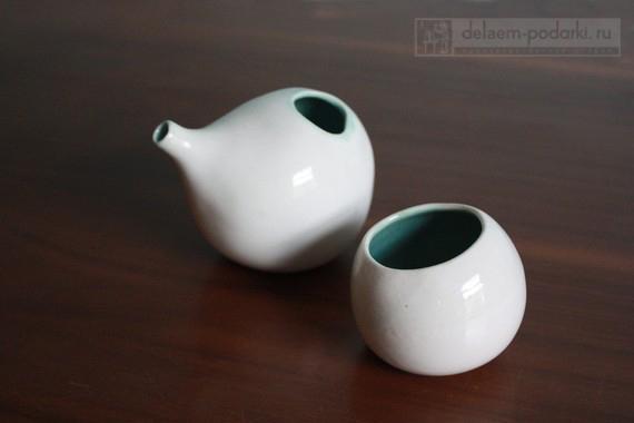 керамический чайник и пиалка