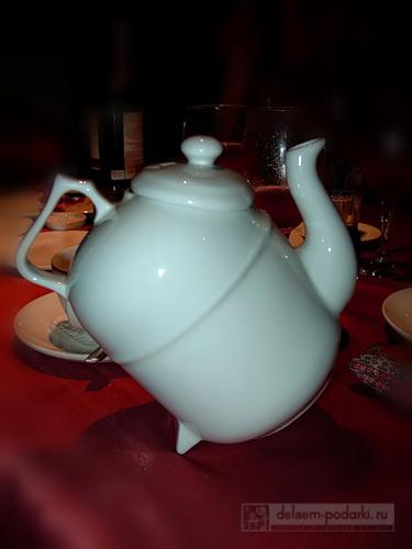 небычный заварочный чайник
