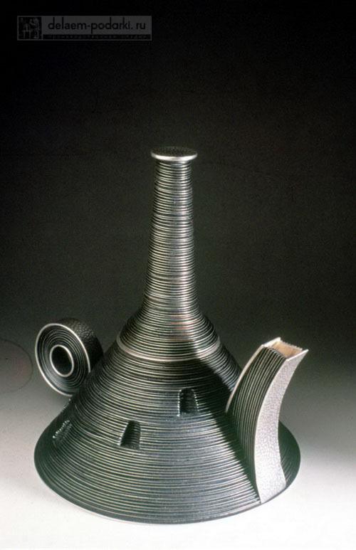 необычный керамический чайник ручной работы