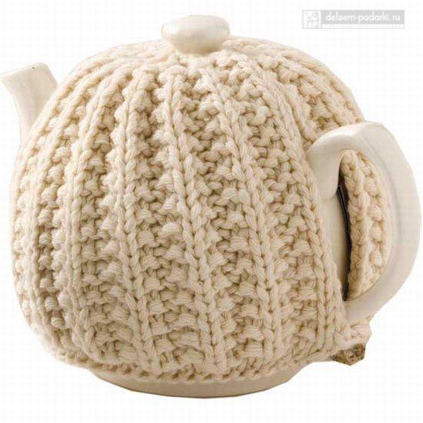 чайник в вязаном свитере