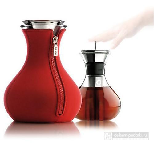 Чайник ваза в одежде с молнией