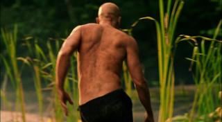 http://www.unspoken-want.net/Caps/Smallville/3x01%20Exile/Exile4/exiledivx_001852477.html
