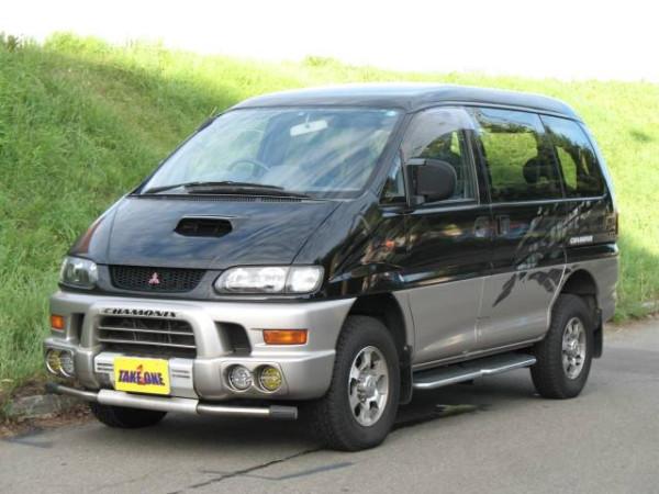 1998-Mitsubishi-Delica-Space-Gear-Chamonix_01