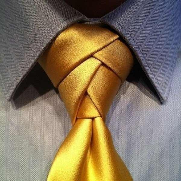 золотой галстук
