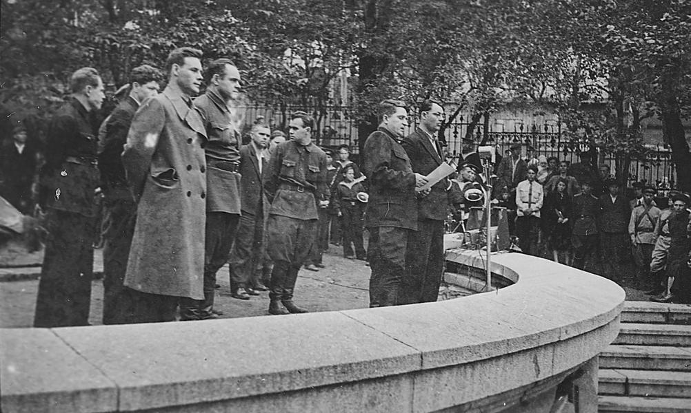 Открытие памятника Сергею Лазо, г. Владивосток, 12 августа 1945 г. ГАПК, фотофонд, 0441а