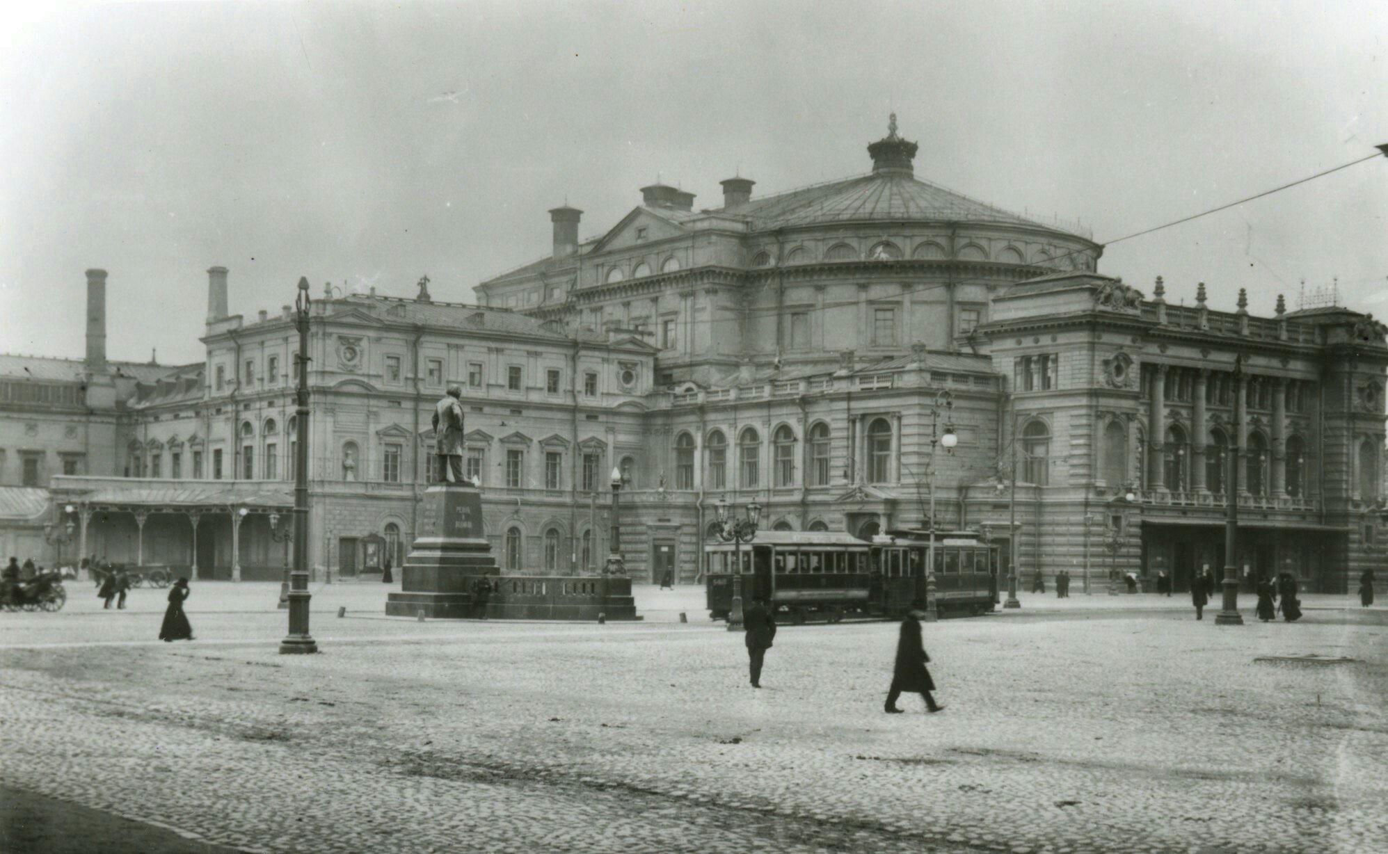 Театральная Площадь, предположительно 1913 год