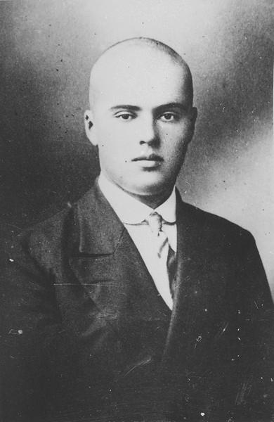Сергей Лазо в юношеские годы, г. Кишинев, 1914 г.       ГАПК, фотофонд, 01517