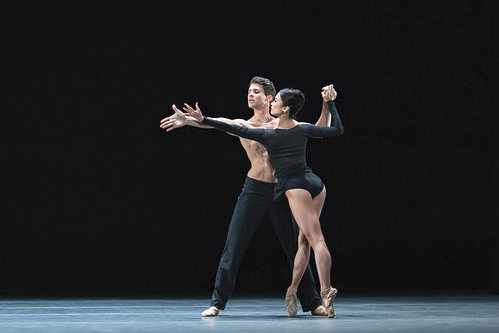 Nicol Edmonds and Fumi Kaneko in Infra, The Royal Ballet © 2018 ROH. Photograph by Helen Maybanks