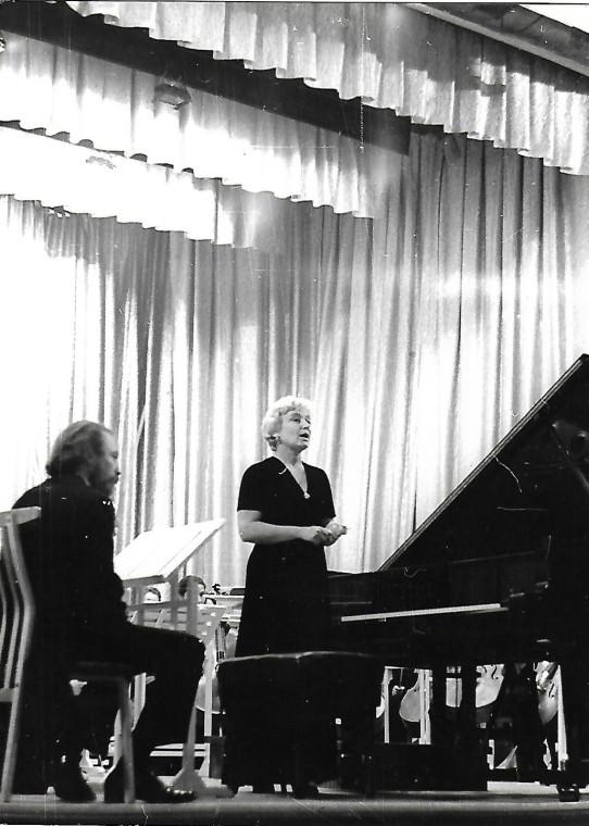 Изольда Милютина, Молдавская филармония, Кишинев, 1979 / Фото из семейного архива Изольды Милютиной