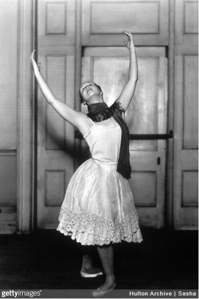 21st April 1931: Russian dancer Lydia Lopokova (Lady Keynes), rehearsing a ballet. (Photo by Sasha/Getty Images)