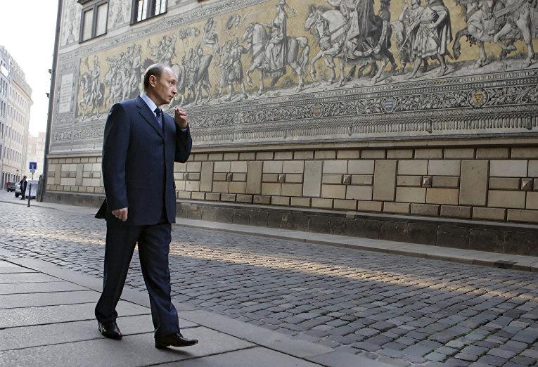 Владимир Путин во время визита в Дрезден, Германия / © AP Photo, ITAR-TASS, Dmitry Astakhov, Presidential Press Service