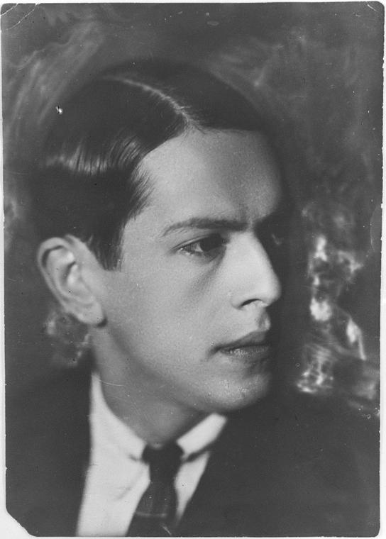 Александр Васильевич Мосолов  (29 июля [11 августа] 1900, Киев — 12 июля 1973, Москва)