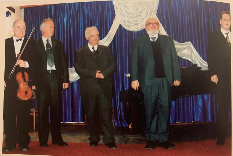 Коллеги-музыканты (слева направо): Наум Хош, Ион Жосан, Борис Дубоссарский, Серго Бенгельсдорф, Алексей Дигоре. Бельцы, 2004 год
