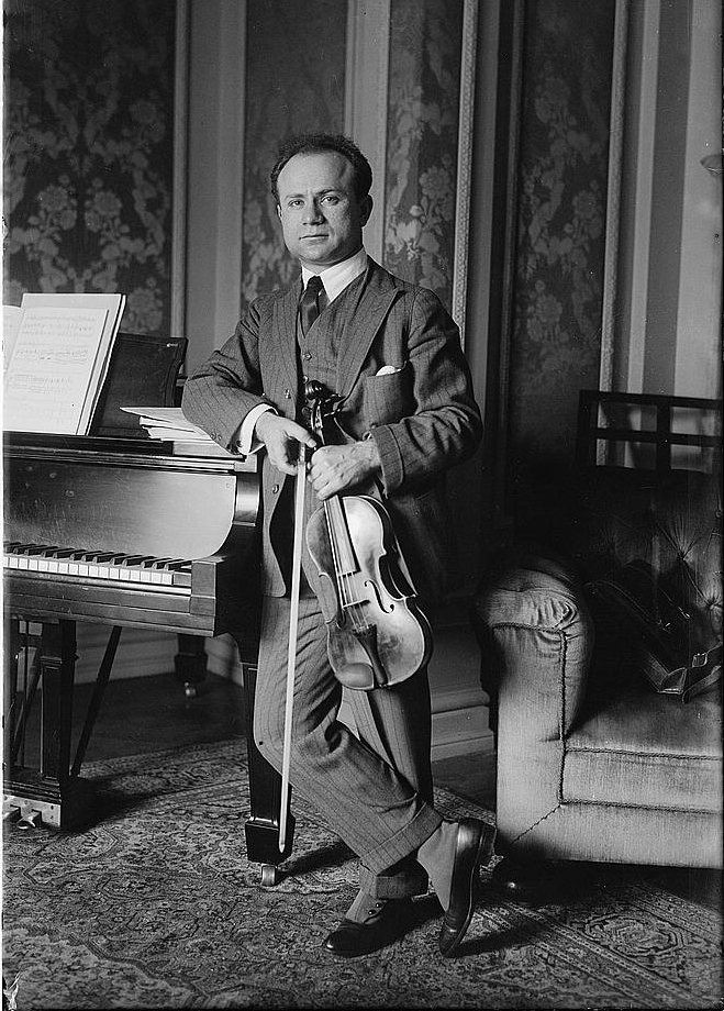 Mischa Elman with violin in 191
