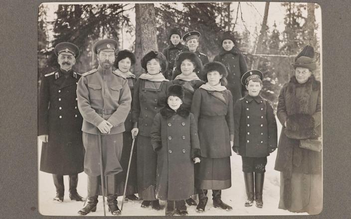 The Romanov family - seven members of whom were murdered after the Russian Revolution / Семья Романовых - семь членов которой были убиты после революции в России.