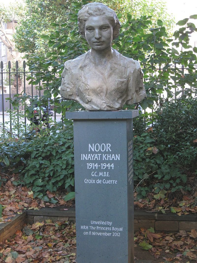 Memorial bust of Inayat Khan in Gordon Square Gardens, Bloomsbury, London