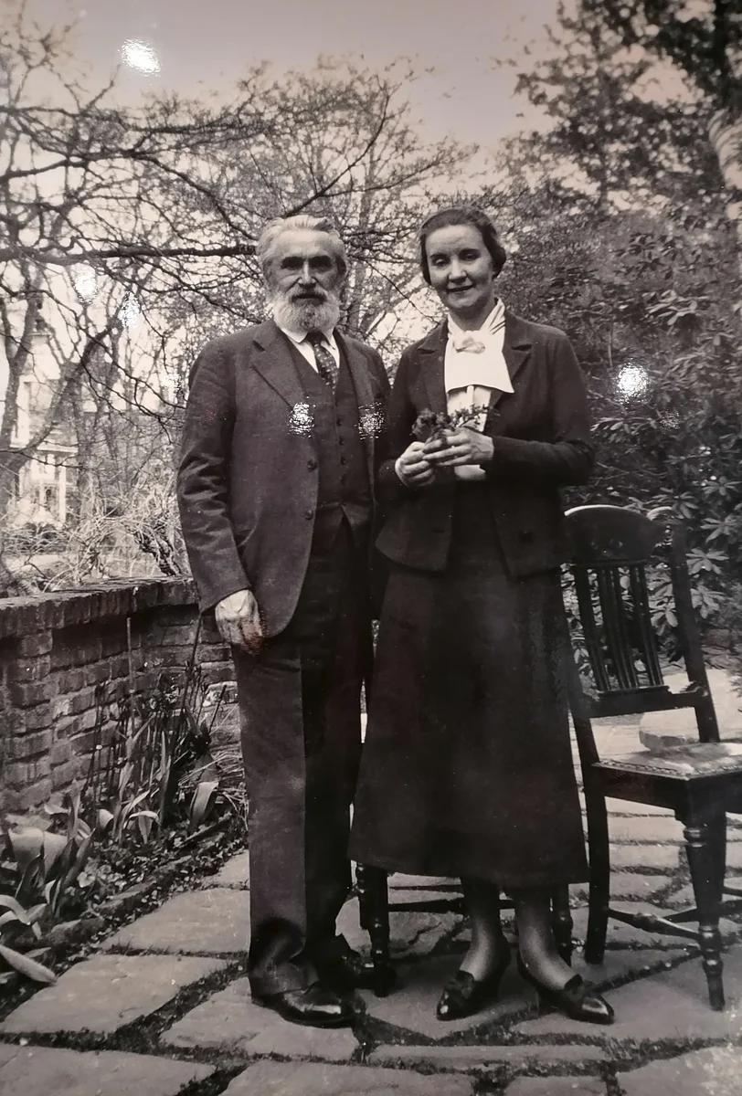 Скульптор Сергей Тимофеевич Коненков с женой Маргаритой. Принстон, середина 1930-х.