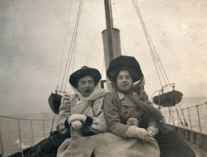 Мерседес Еллинек (справа), ок. 1910 г.