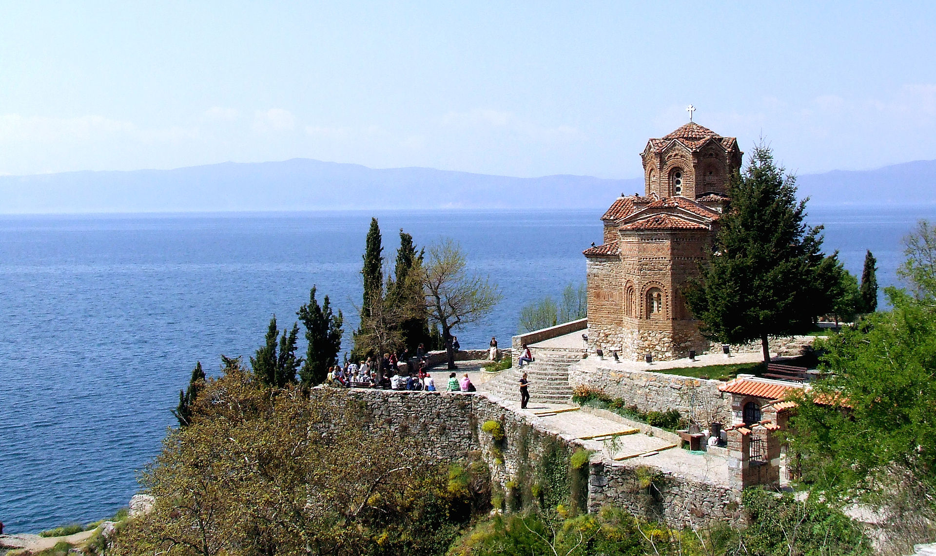 Lake Ohrid straddles the mountainous border between the southwestern region of the Republic of Macedonia and eastern Albania.
