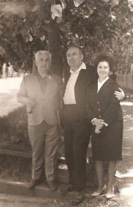 Богдановский с Милютиным и своей студенткой Файвусович.