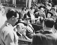 Ф. Рузвельт и У. Буллит (слева) в автомобиле, 1937 г.