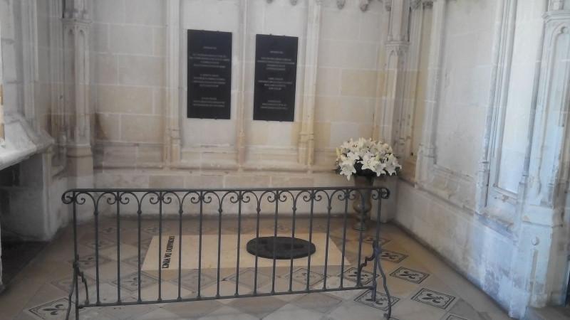 Могила Леонардо да Винчи в замке Амбуаз./Brickdorn - собственная работа/The tomb of Leonardo da Vinci in Amboise (France)