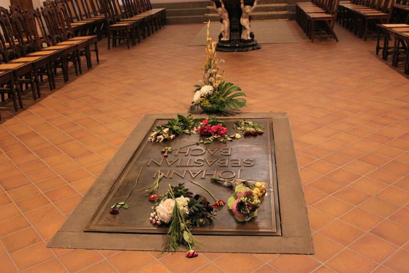 Могила Иоганна Себастьяна Баха в церкви Святого Фомы, Лейпциг, Германия. 9 августа 2011 года.