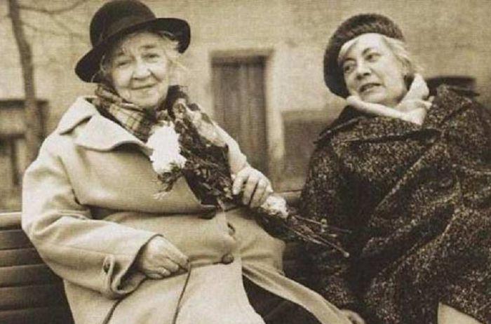 Фаина Георгиевна с сестрой Изабеллой